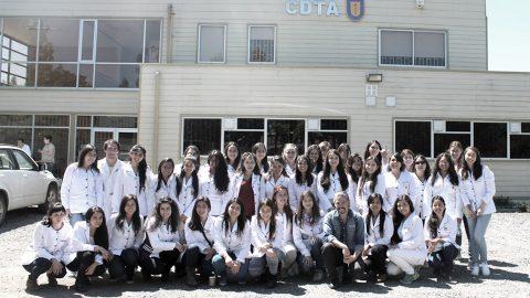 Alumnos de Tecnología de Alimentos visitan CDTA en Los Ángeles