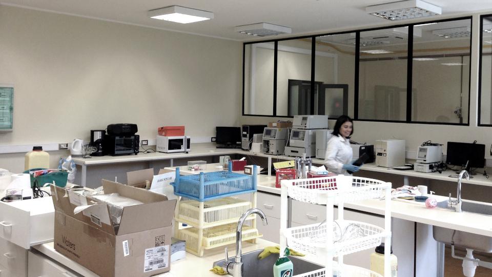 Se remodelan los laboratorios de nuestro Departamento